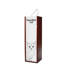 Wine box with an image of a cat.